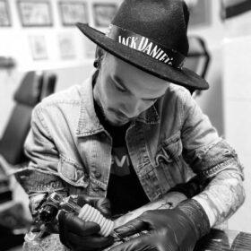 ray tattoo artiest
